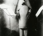 Хуго Балль в Кабаре «Вольтер» в Цюрихе. 1916