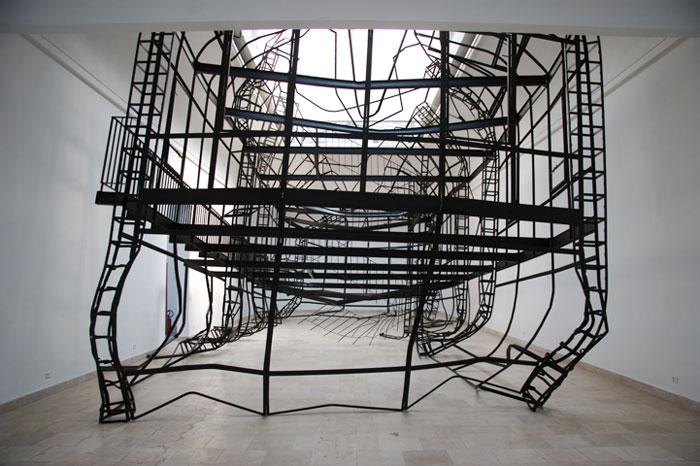 Моника Сосновска. Стальная конструкция. 2007–2008 © jcva.org