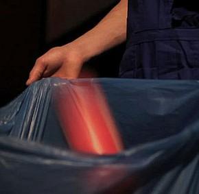 Ольга Чернышева. Мусорщик (кадр из фильма) © auditorium-moscow.org