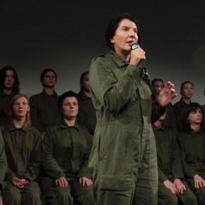 Марина Абрамович и команда волонтеров. Фото: Валерий Леденёв