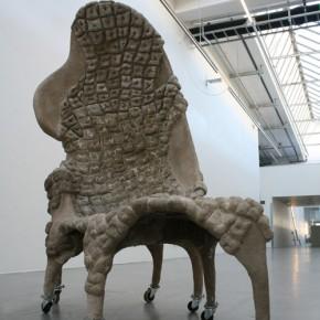 Karin Frankenstein. Cow Dung Chair © Предоставлено ARTCOM Media Group