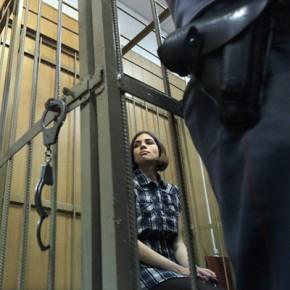 Pussy Riot продлили арест