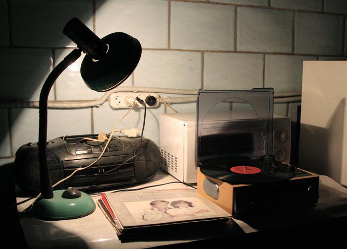"""Из проекта Арсения Желяева «Радио """"Октябрь""""». 2011 © Фото: Валерий Леденёв"""