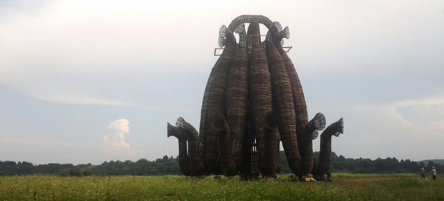 Бобур, слоны и деревянные трубы